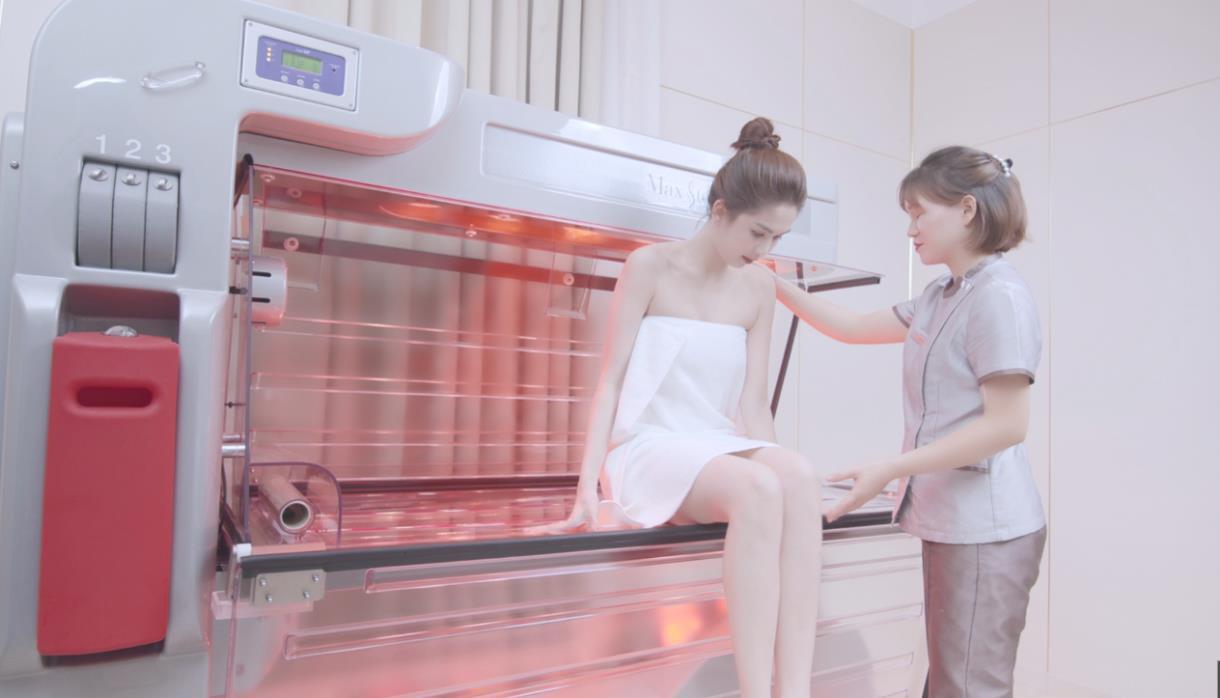 Chán đập hộp đồ hiệu, Ngọc Trinh đập hộp công nghệ tắm trắng mới - Ảnh 6.