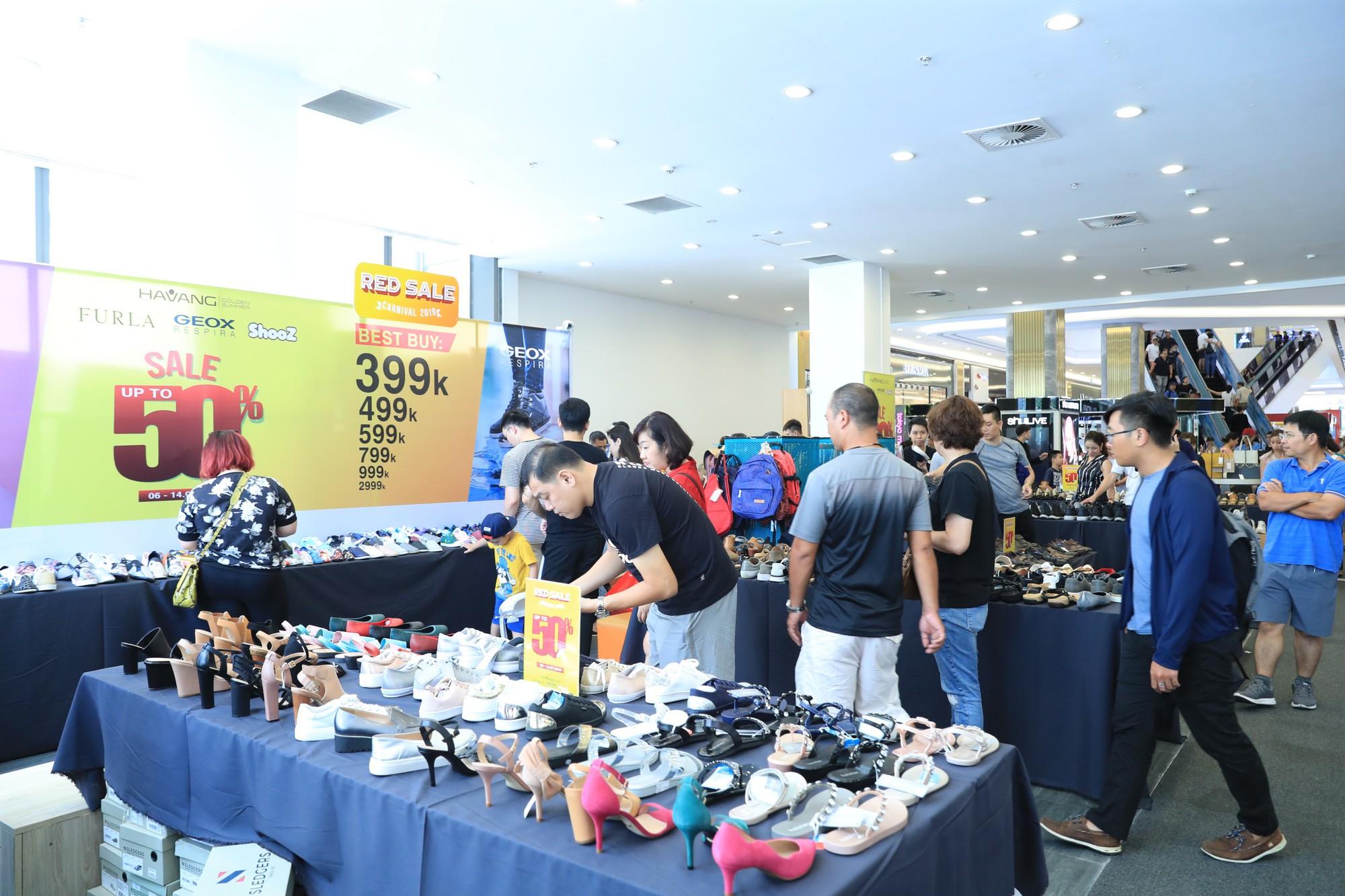 Noo Phước Thịnh điển trai, khuấy động lễ khai mạc Vincom Red Sale Carnival 2019 - Ảnh 11.