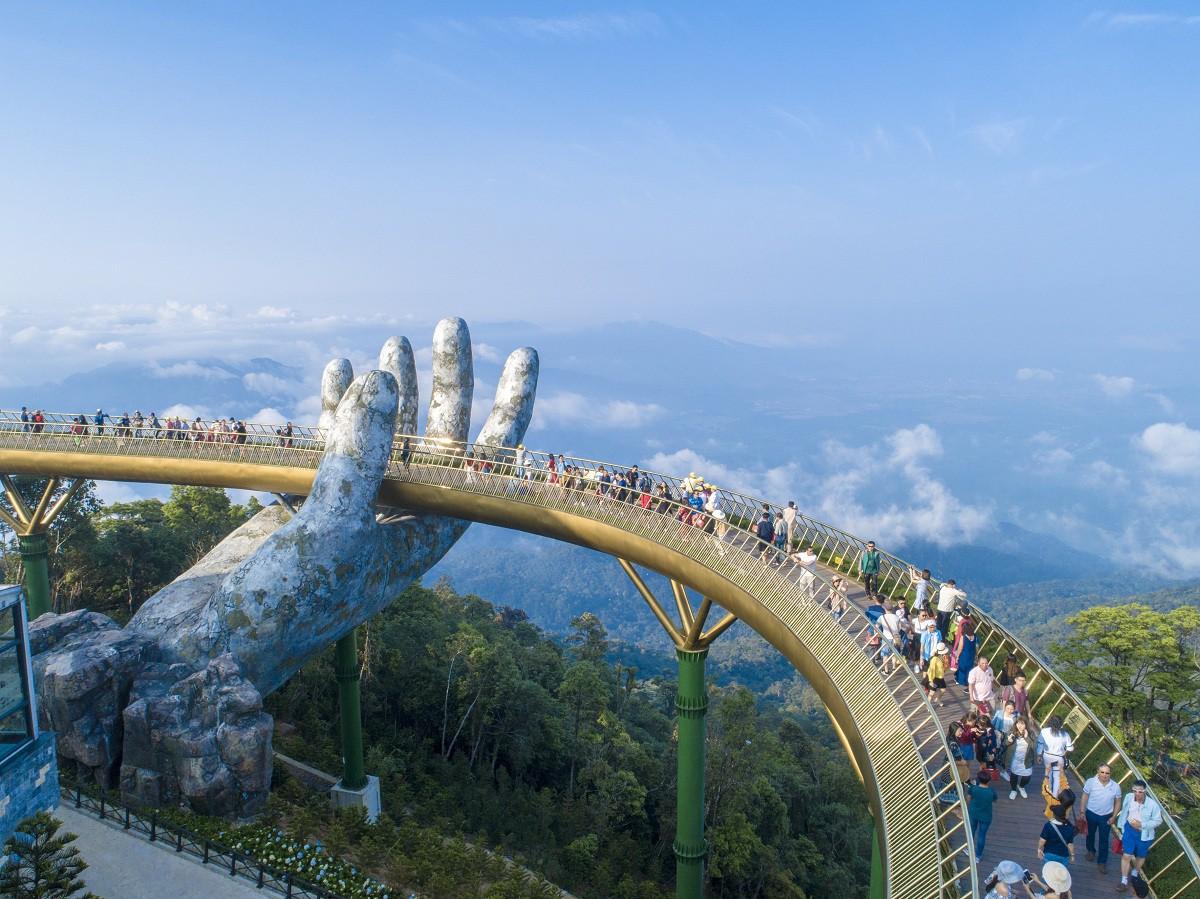 Hơn một sản phẩm du lịch, Cầu Vàng trở thành nguồn cảm hứng cho cộng đồng - Ảnh 3.