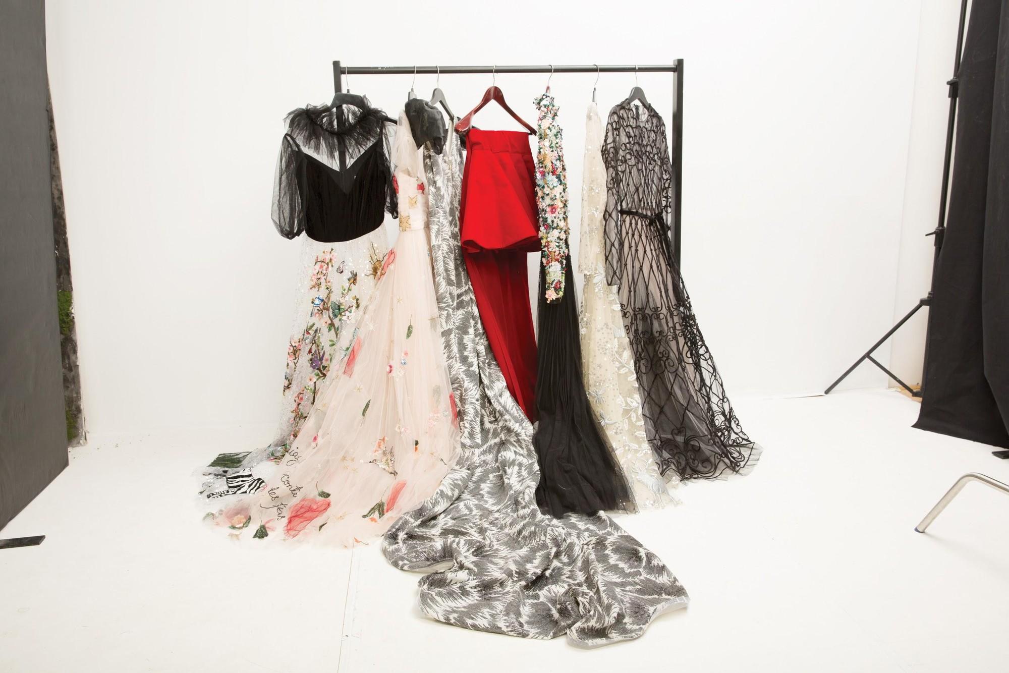 Chiếc tủ thần thánh giúp người nổi tiếng xử đẹp các rắc rối trang phục - Ảnh 2.
