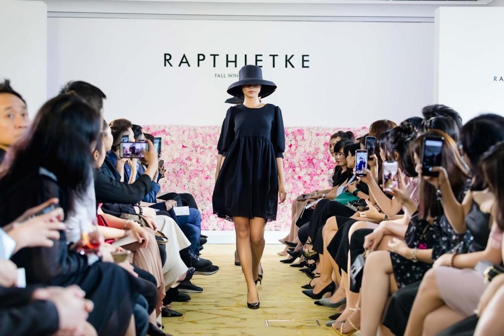 """Linh Nga, Tuyết Lan trở thành vedette ra mắt bộ sưu tập """"The First Dress"""" - Ảnh 3."""