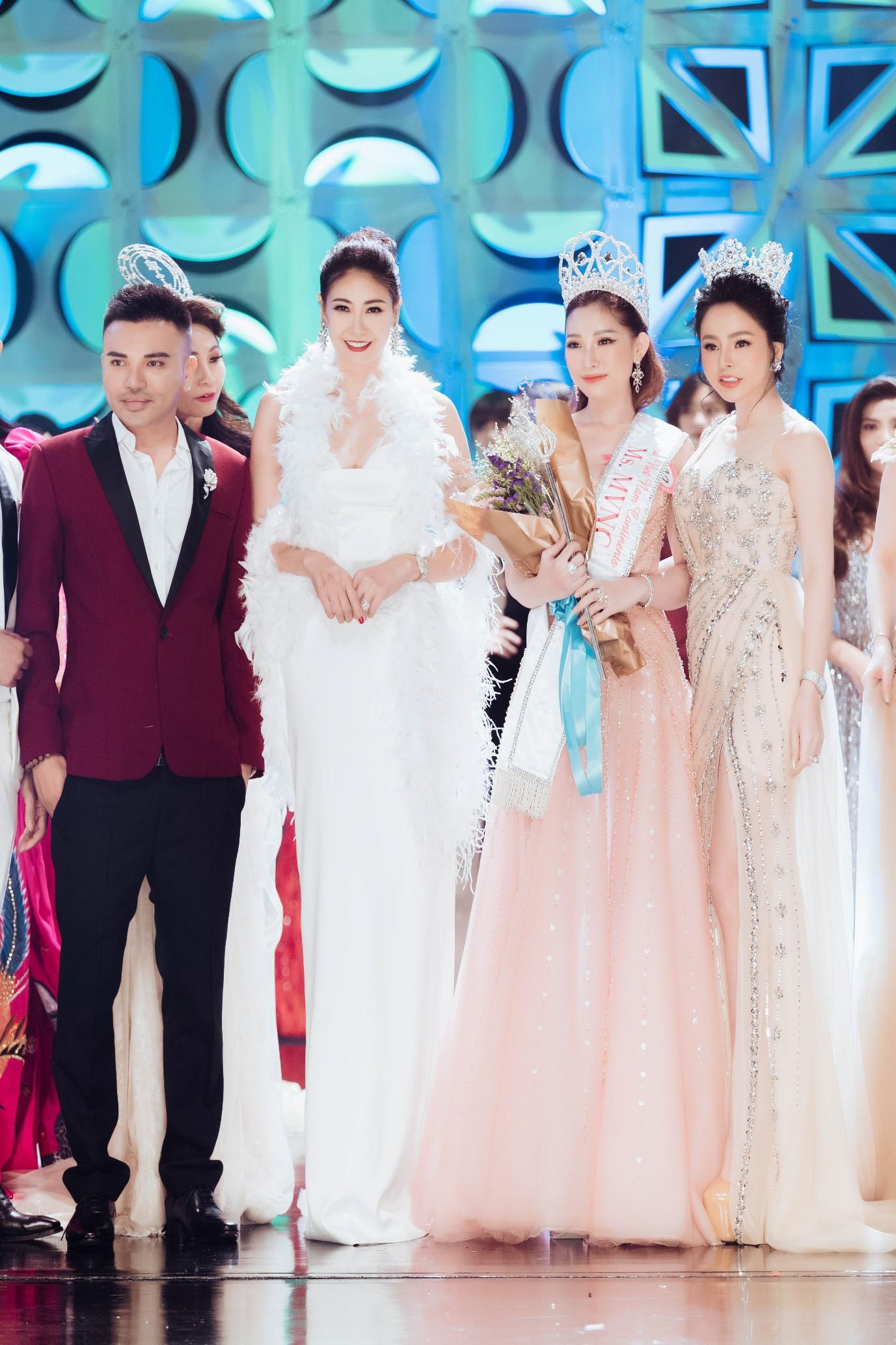 Người đẹp 9X đăng quang Hoa hậu Phụ nữ Thế giới Người Việt tại Thái Lan - Ảnh 4.