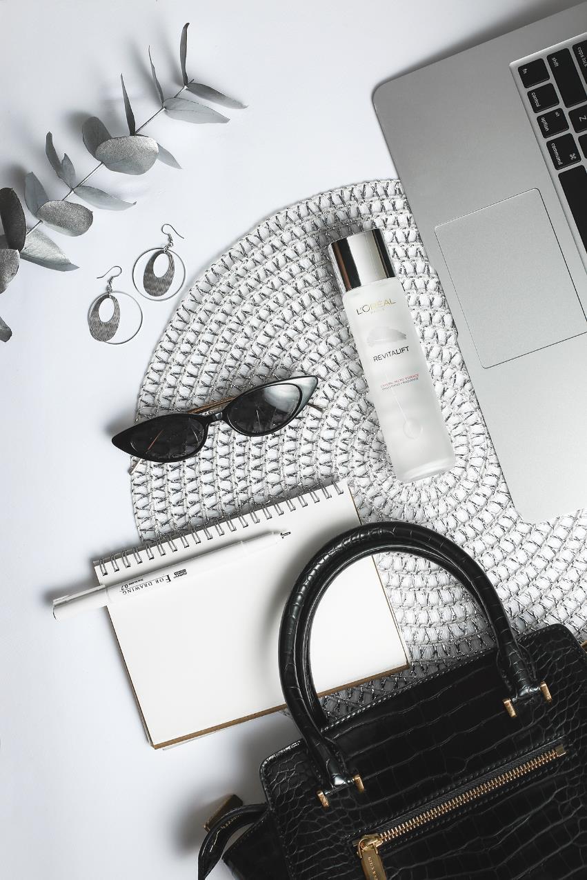 Bận rộn, không có nhiều thời gian chăm sóc da, thì phải bổ sung ngay sản phẩm dưỡng da trong tủ! - Ảnh 4.