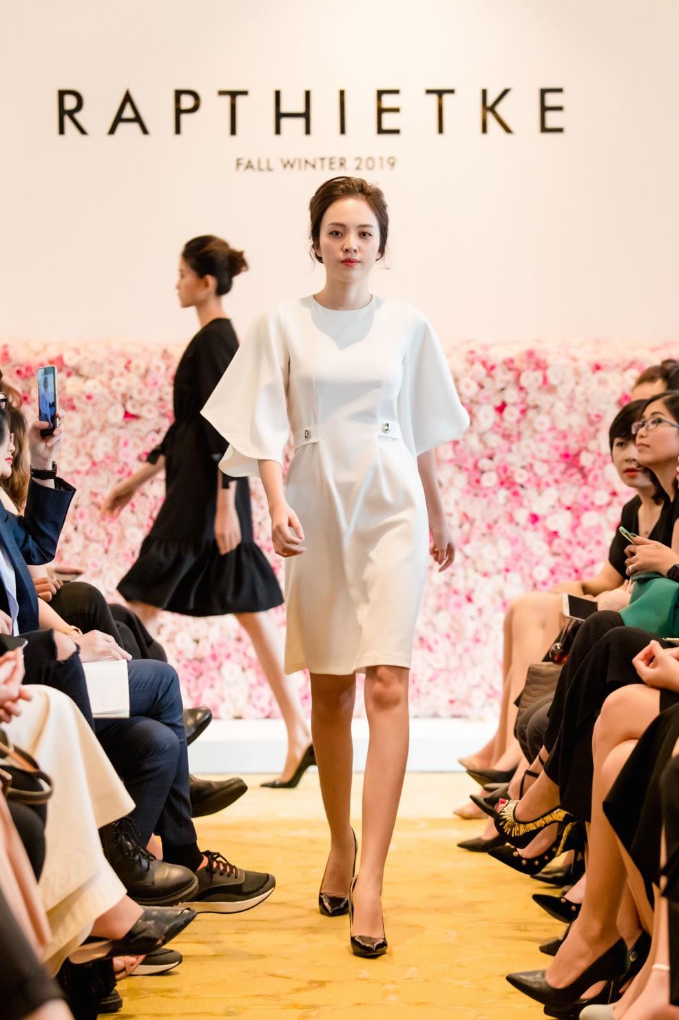 """Linh Nga, Tuyết Lan trở thành vedette ra mắt bộ sưu tập """"The First Dress"""" - Ảnh 5."""