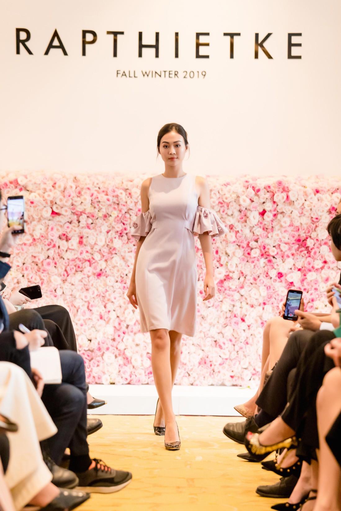 """Linh Nga, Tuyết Lan trở thành vedette ra mắt bộ sưu tập """"The First Dress"""" - Ảnh 6."""