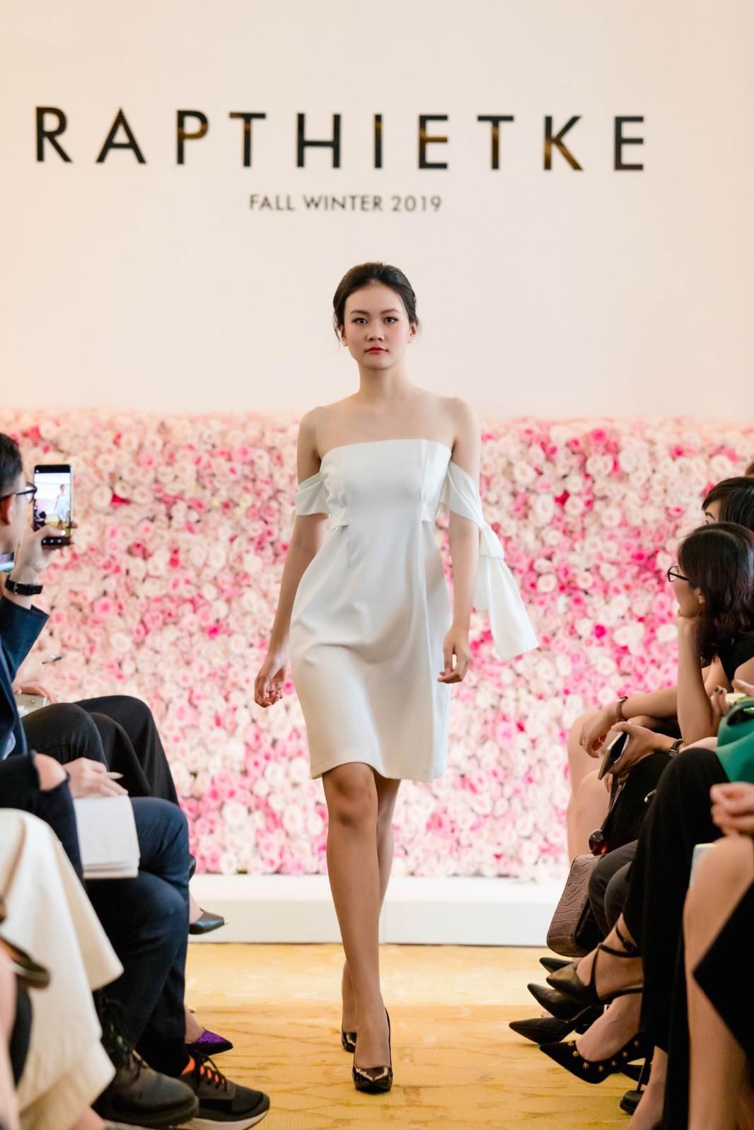"""Linh Nga, Tuyết Lan trở thành vedette ra mắt bộ sưu tập """"The First Dress"""" - Ảnh 8."""