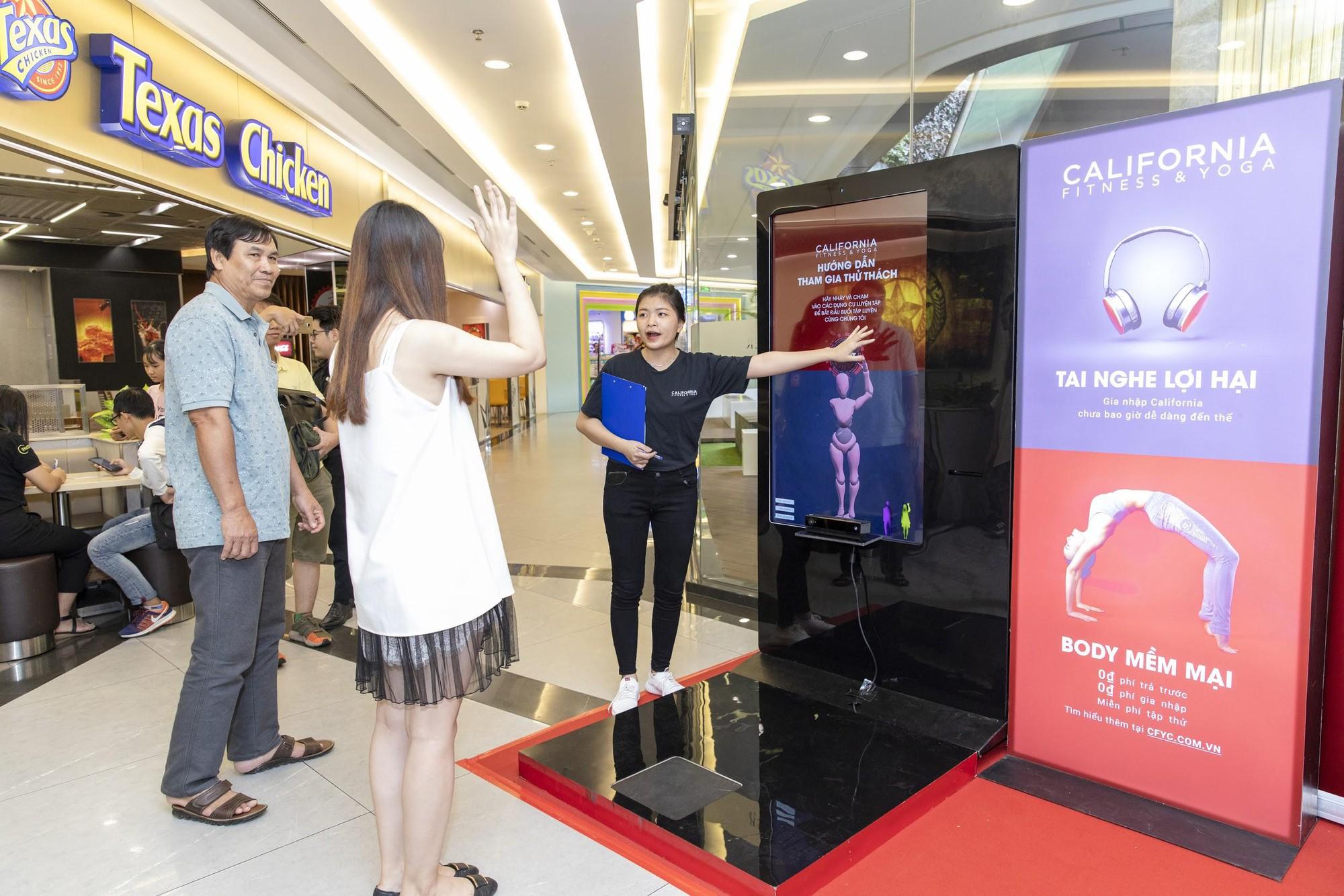 Sao Việt tò mò muốn biết lượng mỡ thừa với máy đo BMI công nghệ cao - Ảnh 2.