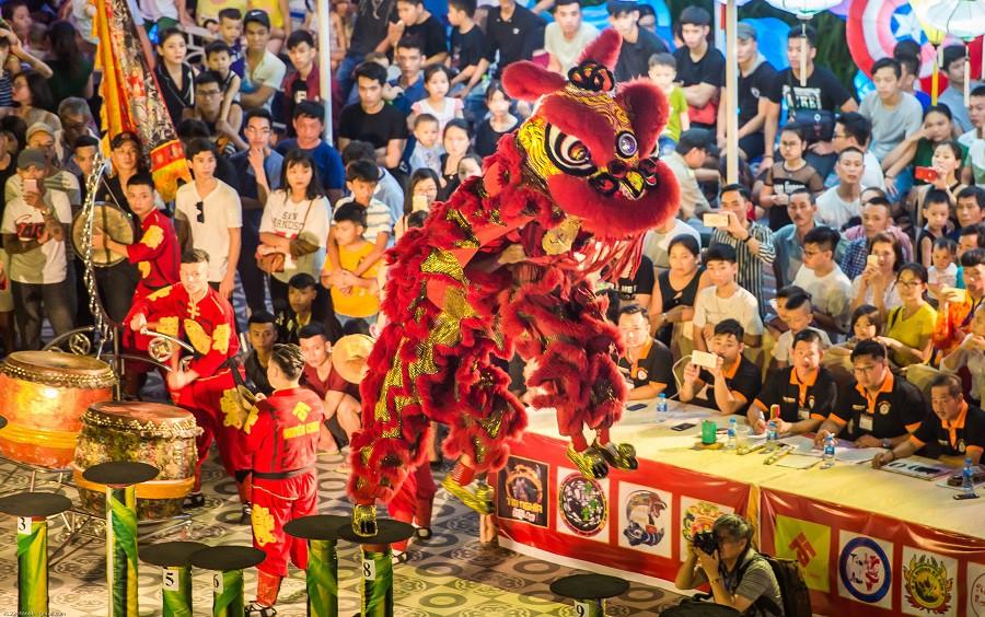 """Nghỉ lễ 2/9: Về Đà Nẵng xem Lễ hội Lân sư rồng quốc tế, gặp """"anh Bo"""" Đan Trường, Isaac - Ảnh 1."""