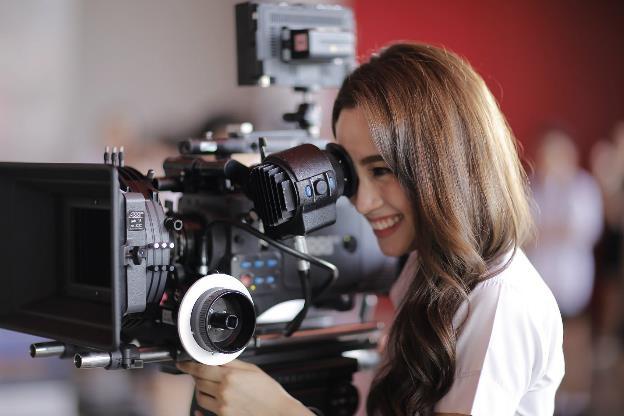 Trai xinh gái đẹp Đại học Bangkok khoe trường bằng phim ngắn cực hay - Ảnh 2.