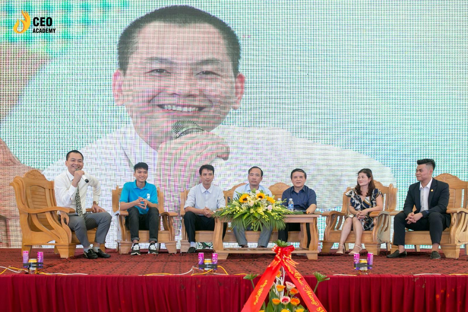 Giới trẻ thích thú mô hình đào tạo ngành Quản trị Kinh doanh mới - Ảnh 1.