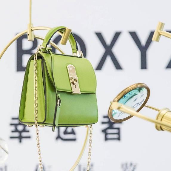 """BOXYZ Bag – Chiếc """"it bag"""" gây sốt làng mốt của nhà Salvatore Ferragamo - Ảnh 2."""