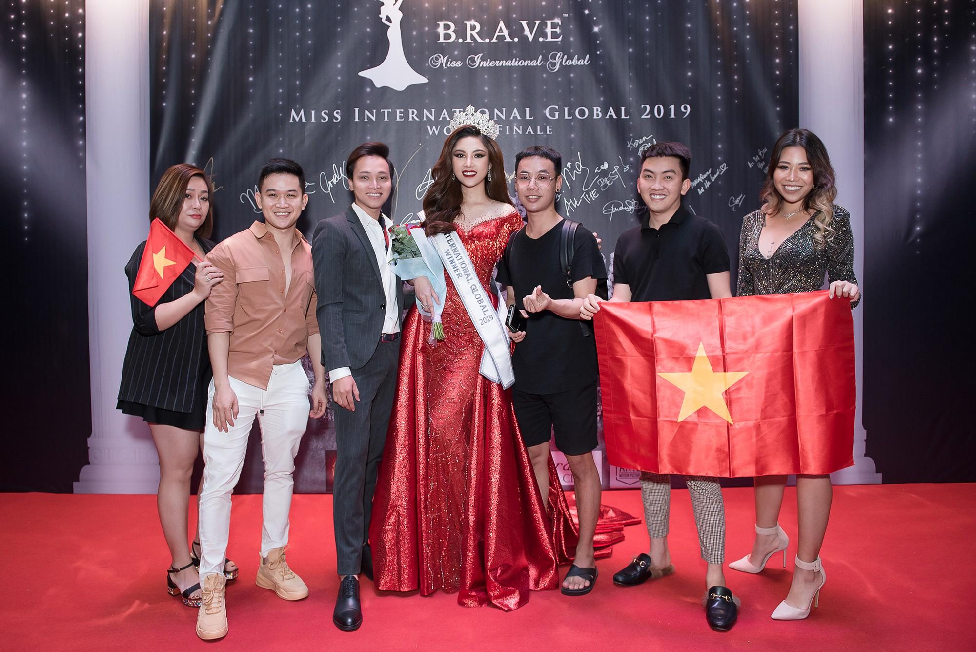 Người đẹp Bạc Liêu đăng quang Hoa hậu Quốc tế Toàn cầu 2019 - Ảnh 1.
