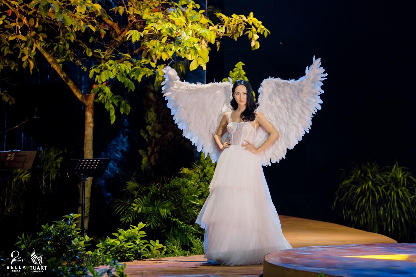 Hoa hậu Thế giới Việt Nam 2019 Lương Thùy Linh kiều diễm trong chiếc váy cưới đính hơn 17 ngàn viên pha lê - Ảnh 8.