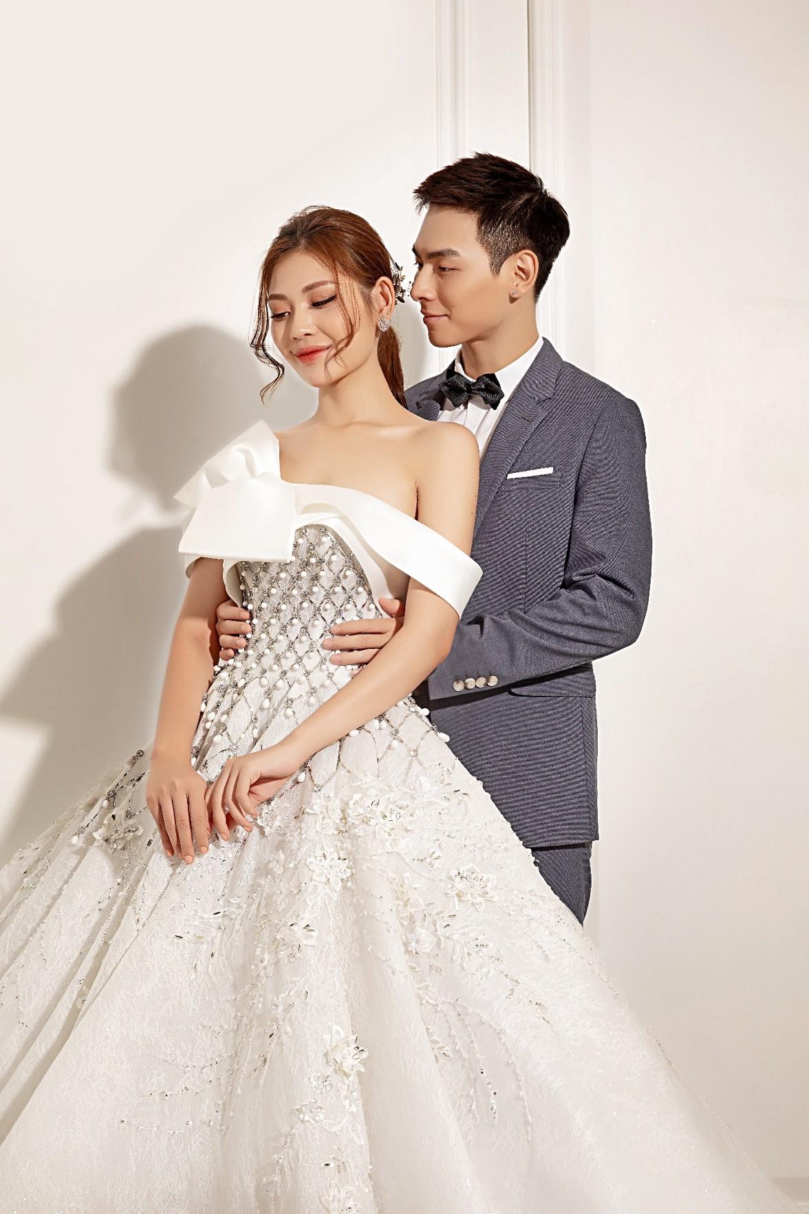 """Sau hai năm kết hôn, Chúng Huyền Thanh – Jay Quân bất ngờ rủ nhau """"cưới lại từ đầu"""" - Ảnh 4."""