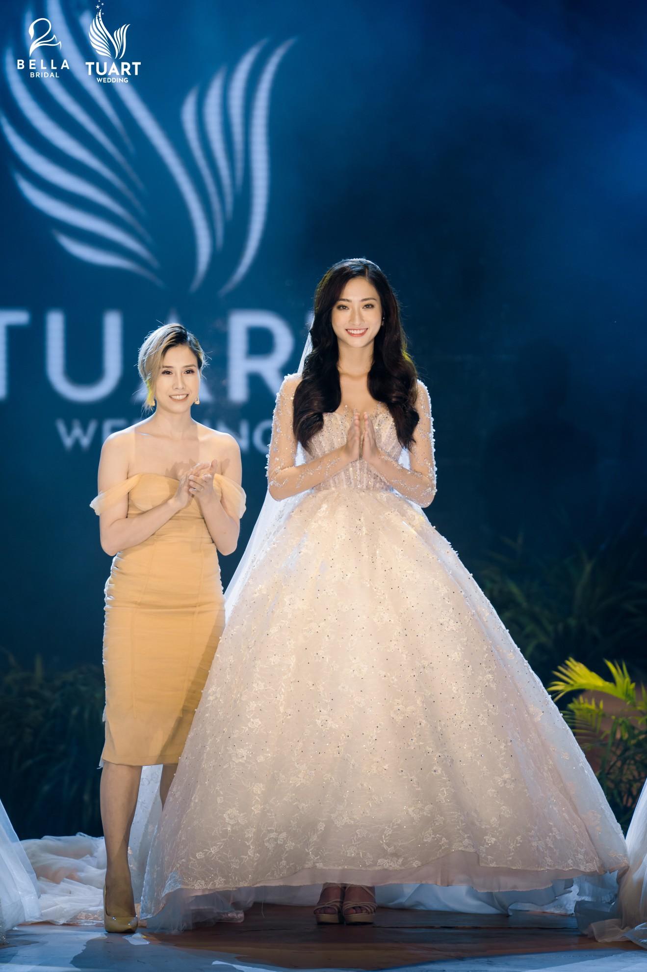 Hoa hậu Thế giới Việt Nam 2019 Lương Thùy Linh kiều diễm trong chiếc váy cưới đính hơn 17 ngàn viên pha lê - Ảnh 5.