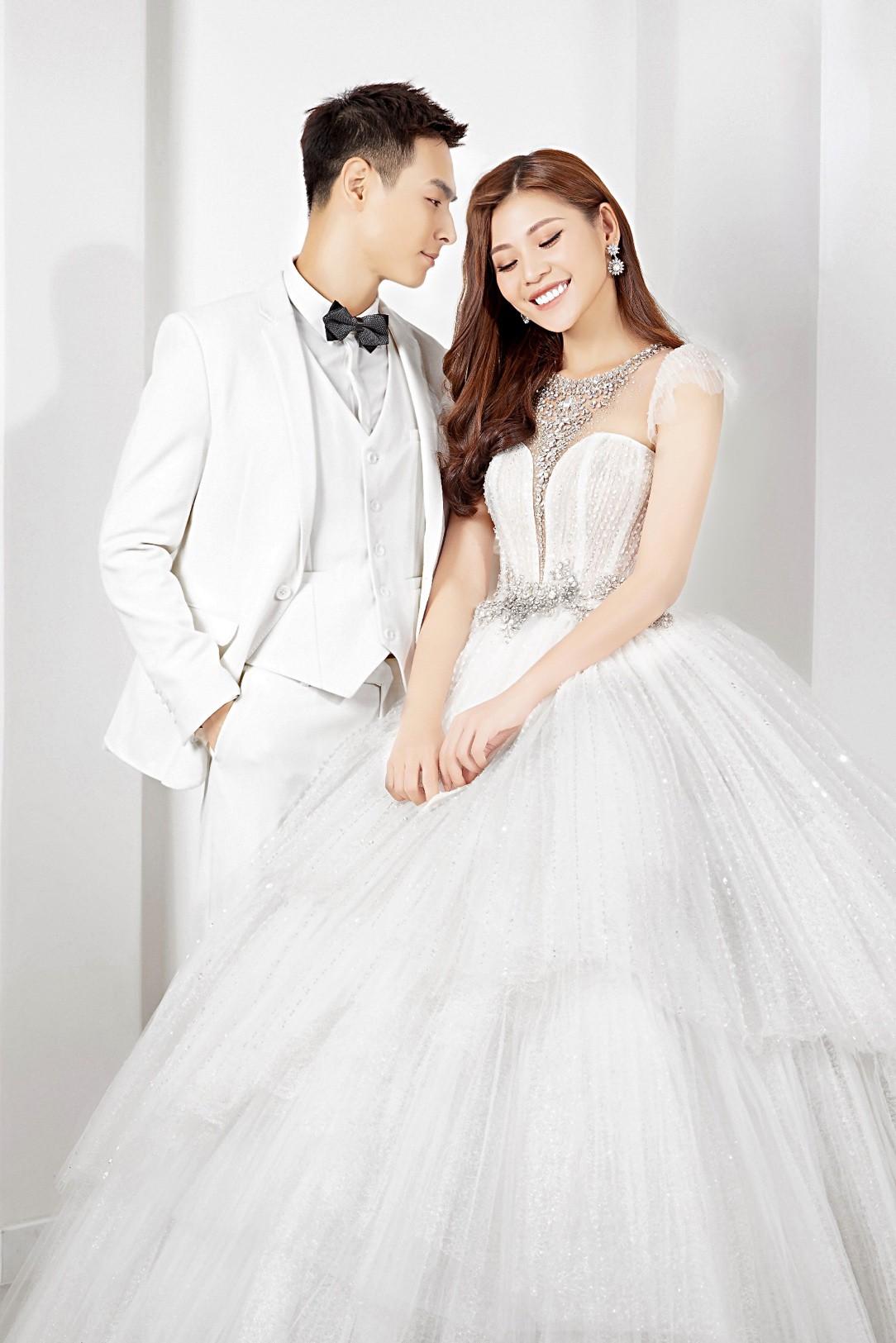 """Sau hai năm kết hôn, Chúng Huyền Thanh – Jay Quân bất ngờ rủ nhau """"cưới lại từ đầu"""" - Ảnh 11."""