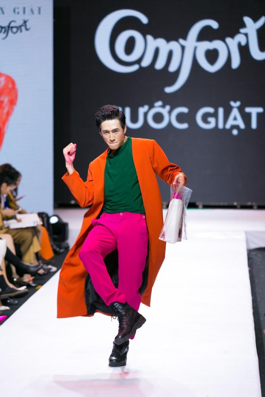 """""""Đánh lừa"""" được cả giới mộ điệu thời trang, QGC đã chính thức lộ mặt sau vòng Final Walk VNTM - Ảnh 12."""