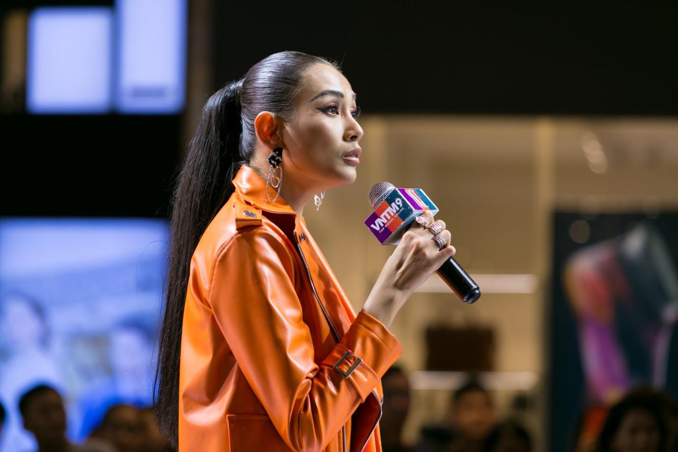 """""""Đánh lừa"""" được cả giới mộ điệu thời trang, QGC đã chính thức lộ mặt sau vòng Final Walk VNTM - Ảnh 16."""