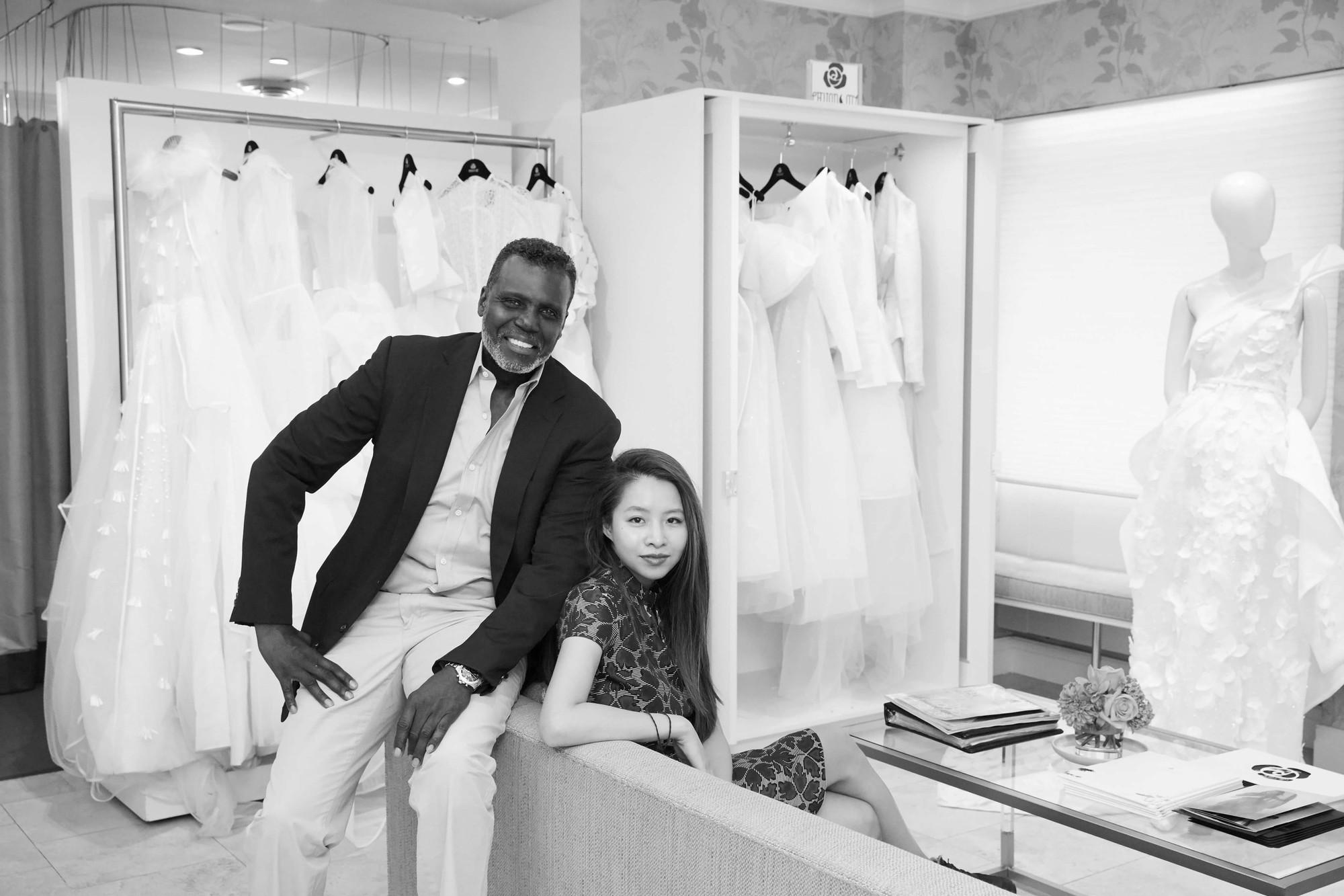 Ngắm váy cưới của nhà thiết kế Việt tại tiệm đồ cưới nổi tiếng New York - Ảnh 6.