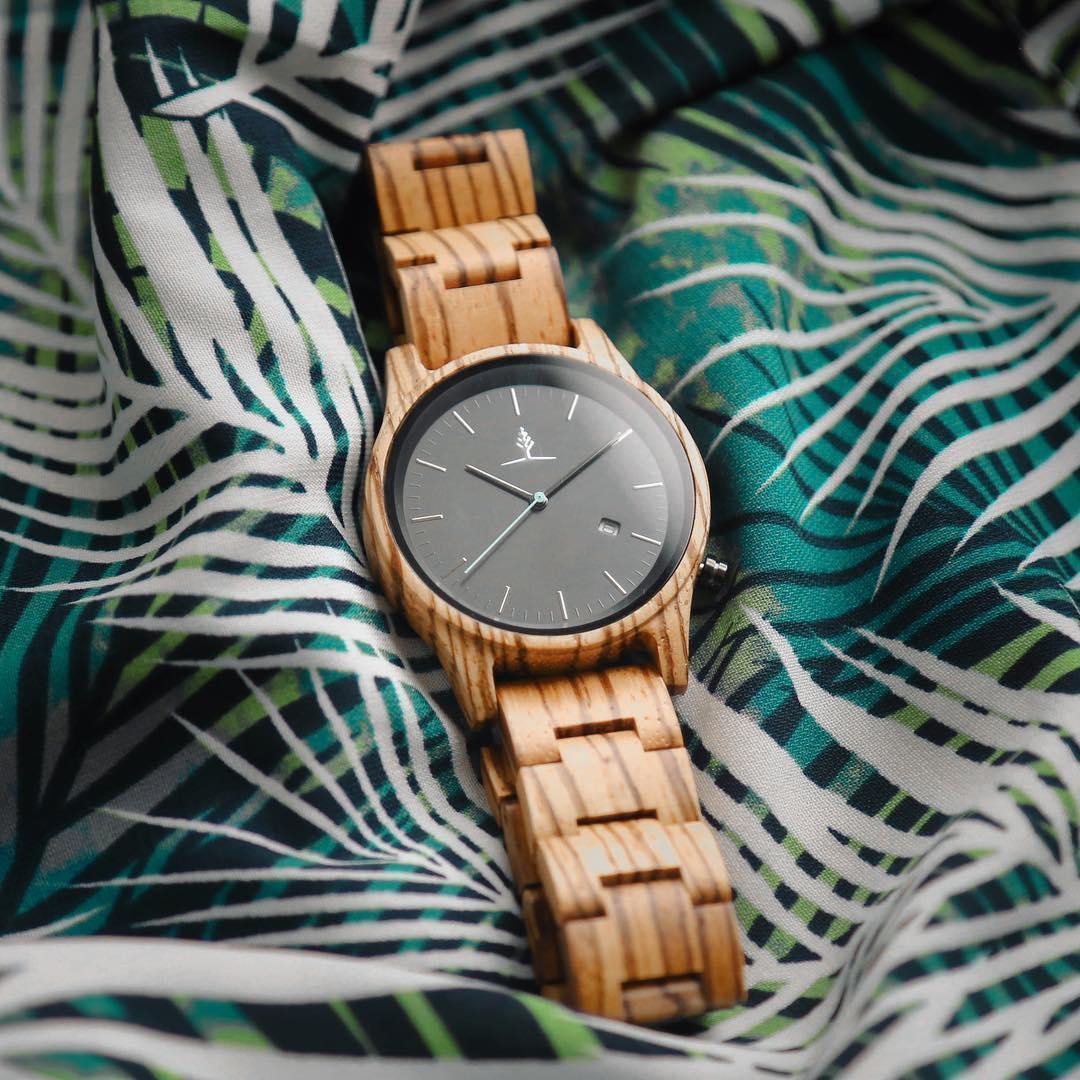Đồng hồ đeo tay bằng gỗ - Sự khác biệt với nét đẹp cổ điển mang hơi thở hiện đại - Ảnh 3.