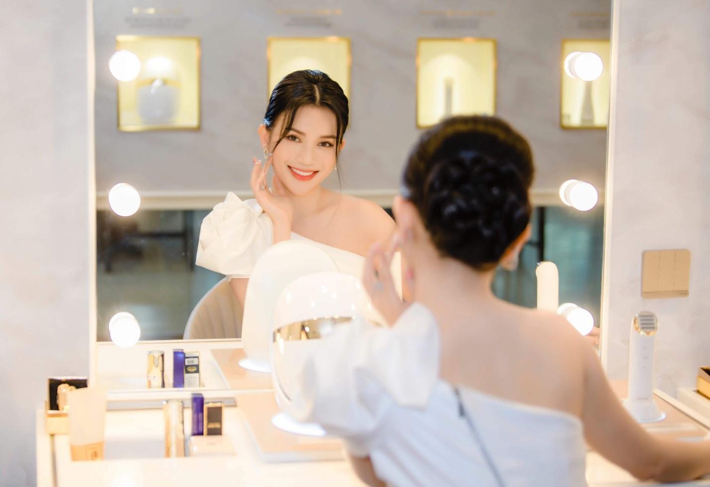 Hariwon, Helly Tống, Sĩ Thanh cùng dàn hoa hậu Việt hào hứng trải nghiệm dòng sản phẩm công nghệ làm đẹp độc đáo - Ảnh 6.