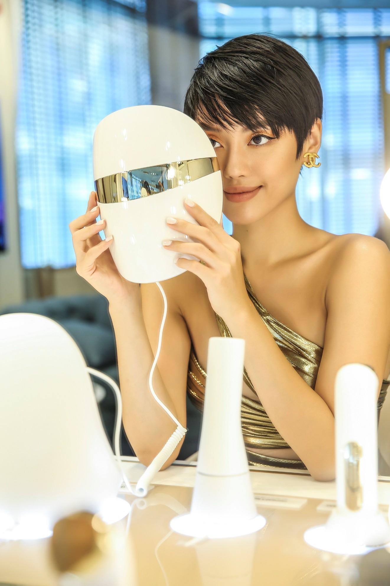 Hariwon, Helly Tống, Sĩ Thanh cùng dàn hoa hậu Việt hào hứng trải nghiệm dòng sản phẩm công nghệ làm đẹp độc đáo - Ảnh 7.