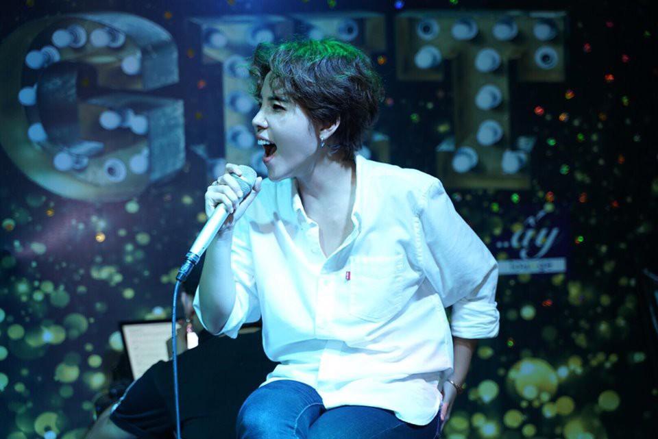 """Lần đầu làm show ở Hà Nội, Vũ Cát Tường khiến người hâm mộ đứng ngồi không yên vì liên tục """"nhá hàng"""" tin hot - Ảnh 1."""