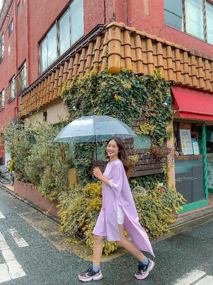 """Street style """"một chín một mười"""" của đôi bạn thân Châu Bùi, Khả Ngân - Ảnh 6."""