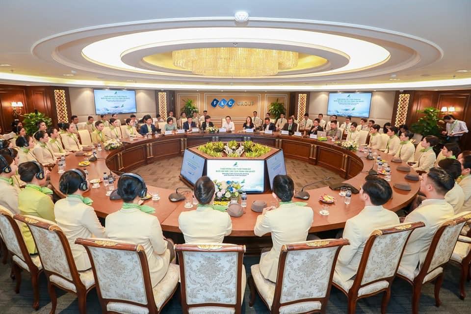 """Ngắm dàn tiếp viên hàng không Bamboo Airways được ông Trịnh Văn Quyết cho """"lên sóng"""" - Ảnh 7."""
