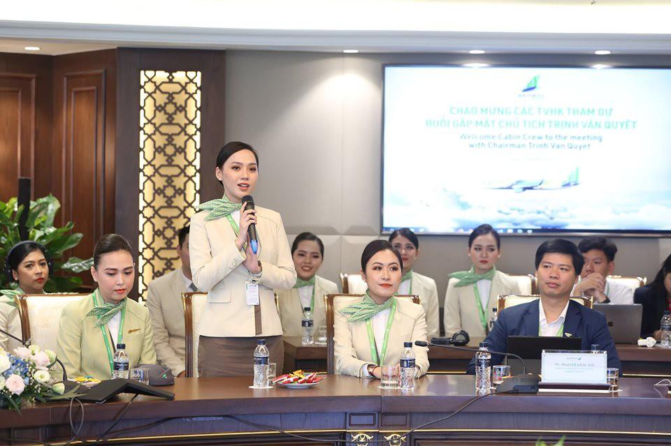 """Ngắm dàn tiếp viên hàng không Bamboo Airways được ông Trịnh Văn Quyết cho """"lên sóng"""" - Ảnh 4."""