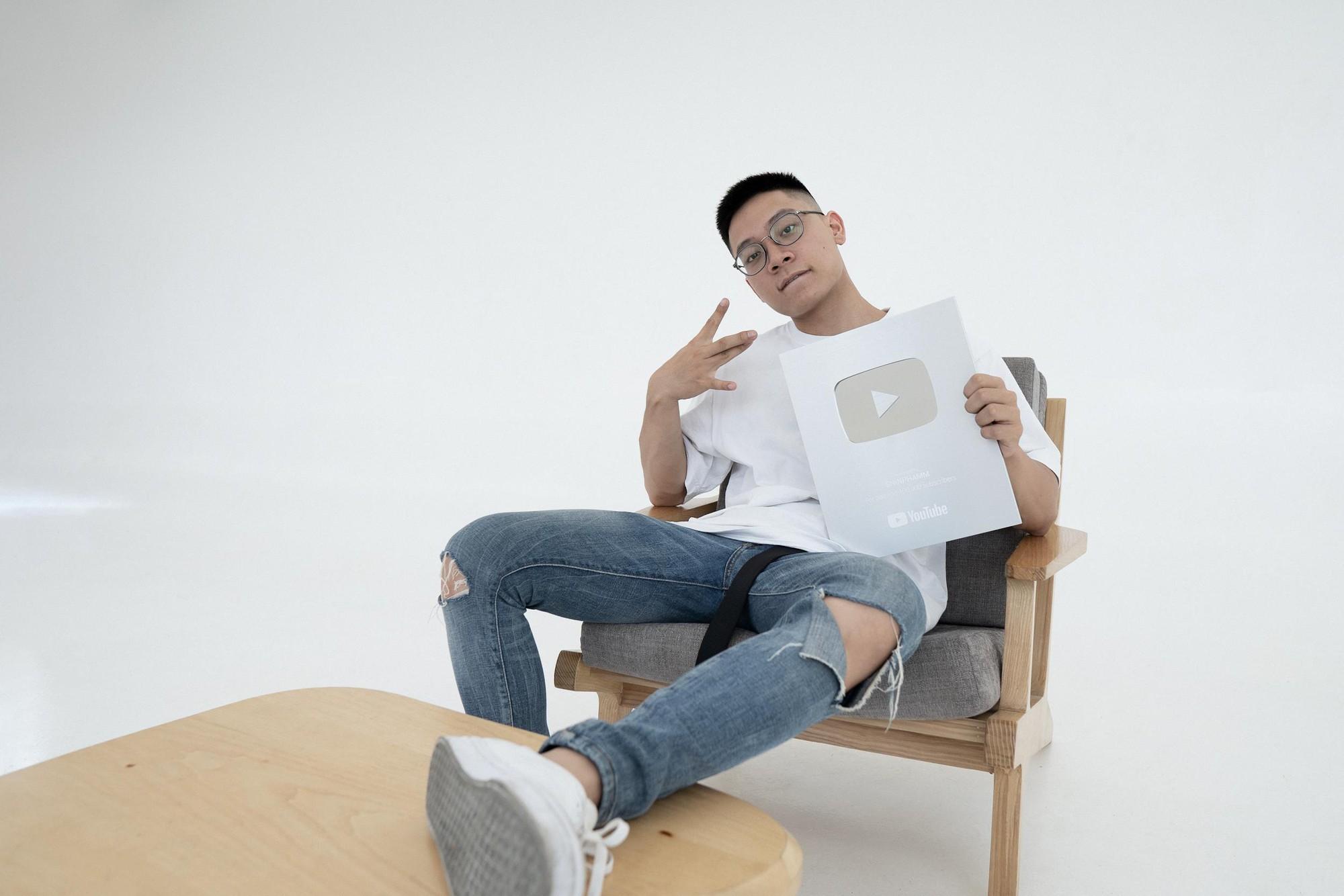 Fitness Youtuber SHINPHAMM bật mí cách cày vé tham dự sự kiện ra mắt MXH Lotus - Ảnh 2.