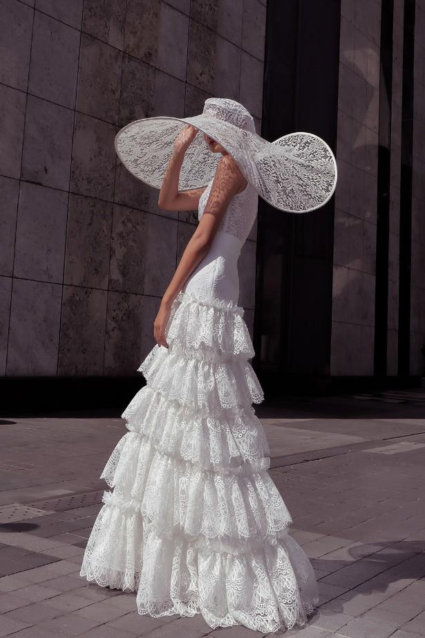 """Nhà thiết kế Lê Thanh Phương kết hợp cùng stylist Huỳnh Ngọc Lợi với bộ sưu tập cưới """"Runaway Bride"""". - Ảnh 1."""
