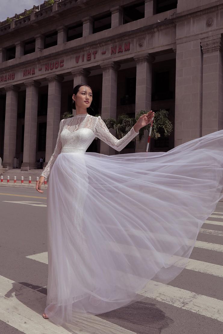 """Nhà thiết kế Lê Thanh Phương kết hợp cùng stylist Huỳnh Ngọc Lợi với bộ sưu tập cưới """"Runaway Bride"""". - Ảnh 5."""