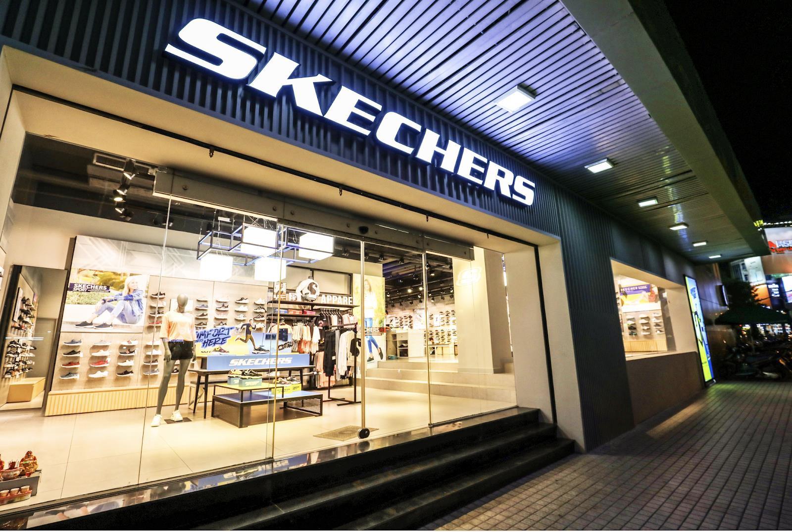 Bất ngờ kép từ Skechers: Karik trở thành đại sứ thương hiệu, chính thức khai trương Flagship Store tại Việt Nam - Ảnh 4.