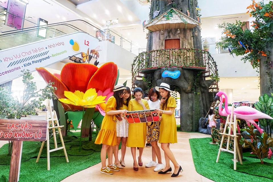 Cùng huynh đệ Liên Bỉnh Phát - Jun Phạm quẩy tưng bừng mừng SC VivoCity lên 4 tuổi - Ảnh 2.