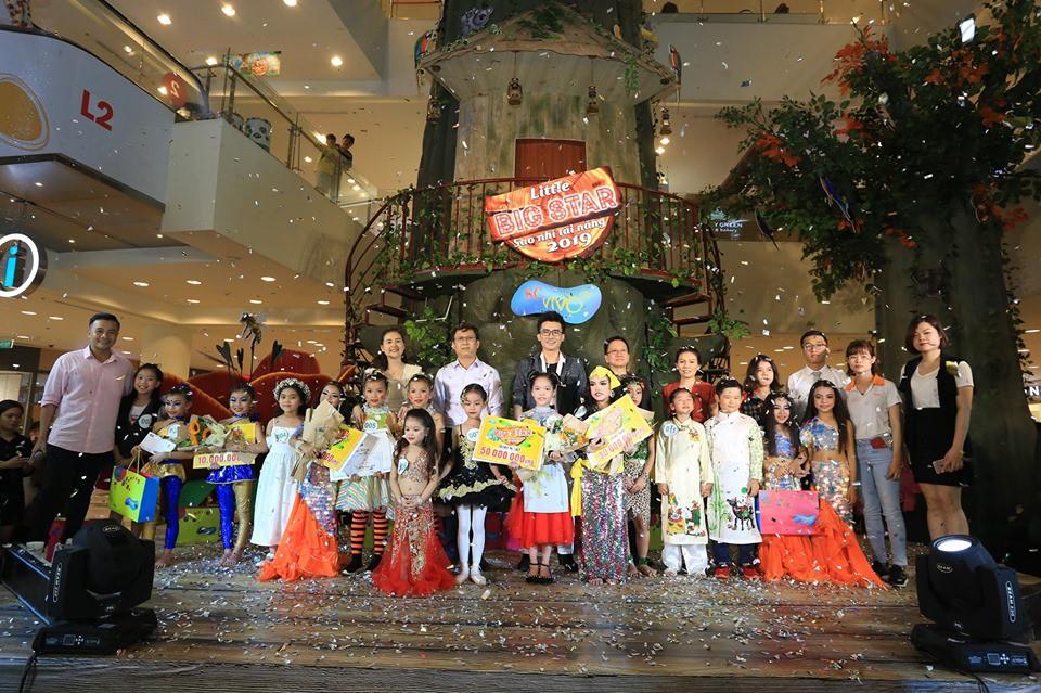 Cùng huynh đệ Liên Bỉnh Phát - Jun Phạm quẩy tưng bừng mừng SC VivoCity lên 4 tuổi - Ảnh 3.
