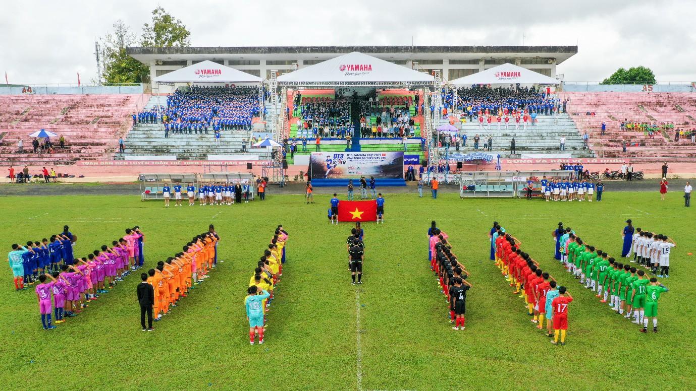 """Người hâm mộ """"phát sốt"""" với những trận đấu nghẹt thở của giải U13 Yamaha Cup 2019 tại Đắk Lắk - Ảnh 1."""