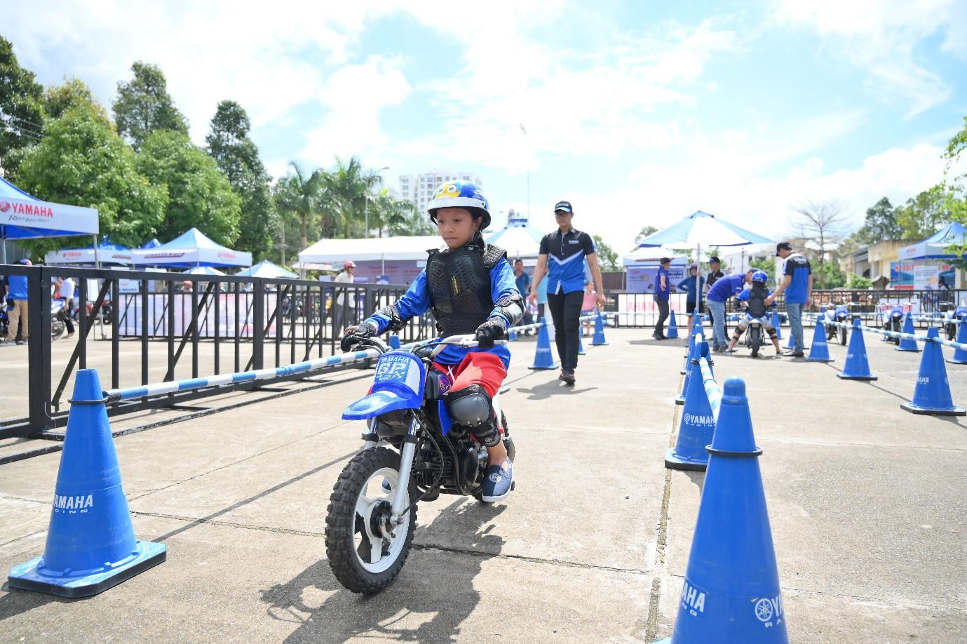 """Người hâm mộ """"phát sốt"""" với những trận đấu nghẹt thở của giải U13 Yamaha Cup 2019 tại Đắk Lắk - Ảnh 7."""