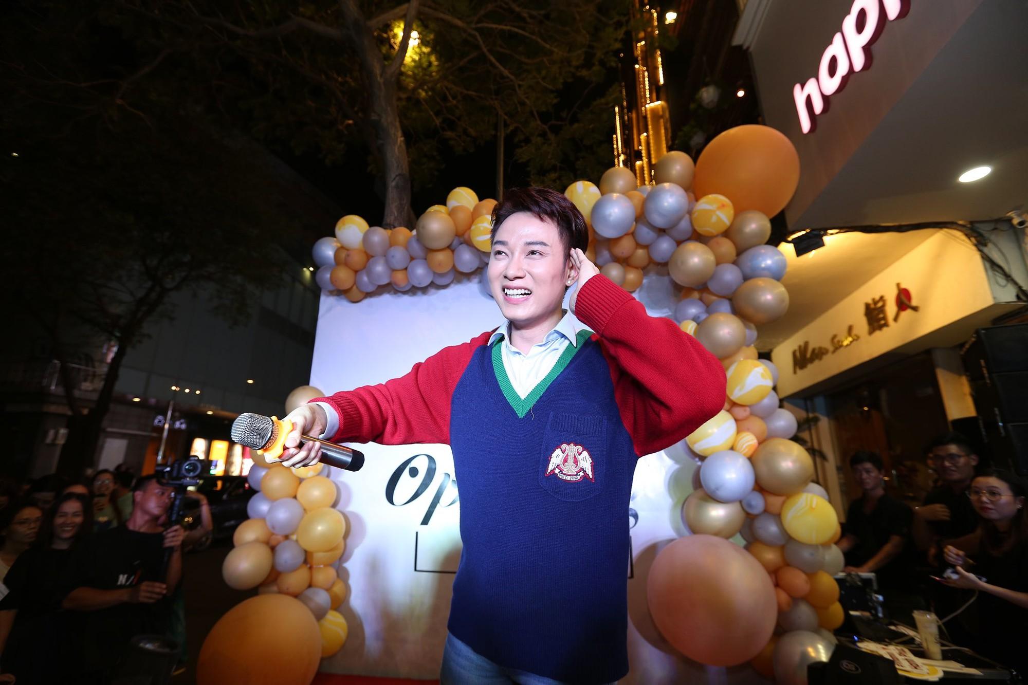 Trúc Nhân và Fabo Nguyễn gây náo loạn cả khu phố trà sữa, Happy Lemon chính thức đổ bộ thị trường Việt Nam - Ảnh 3.