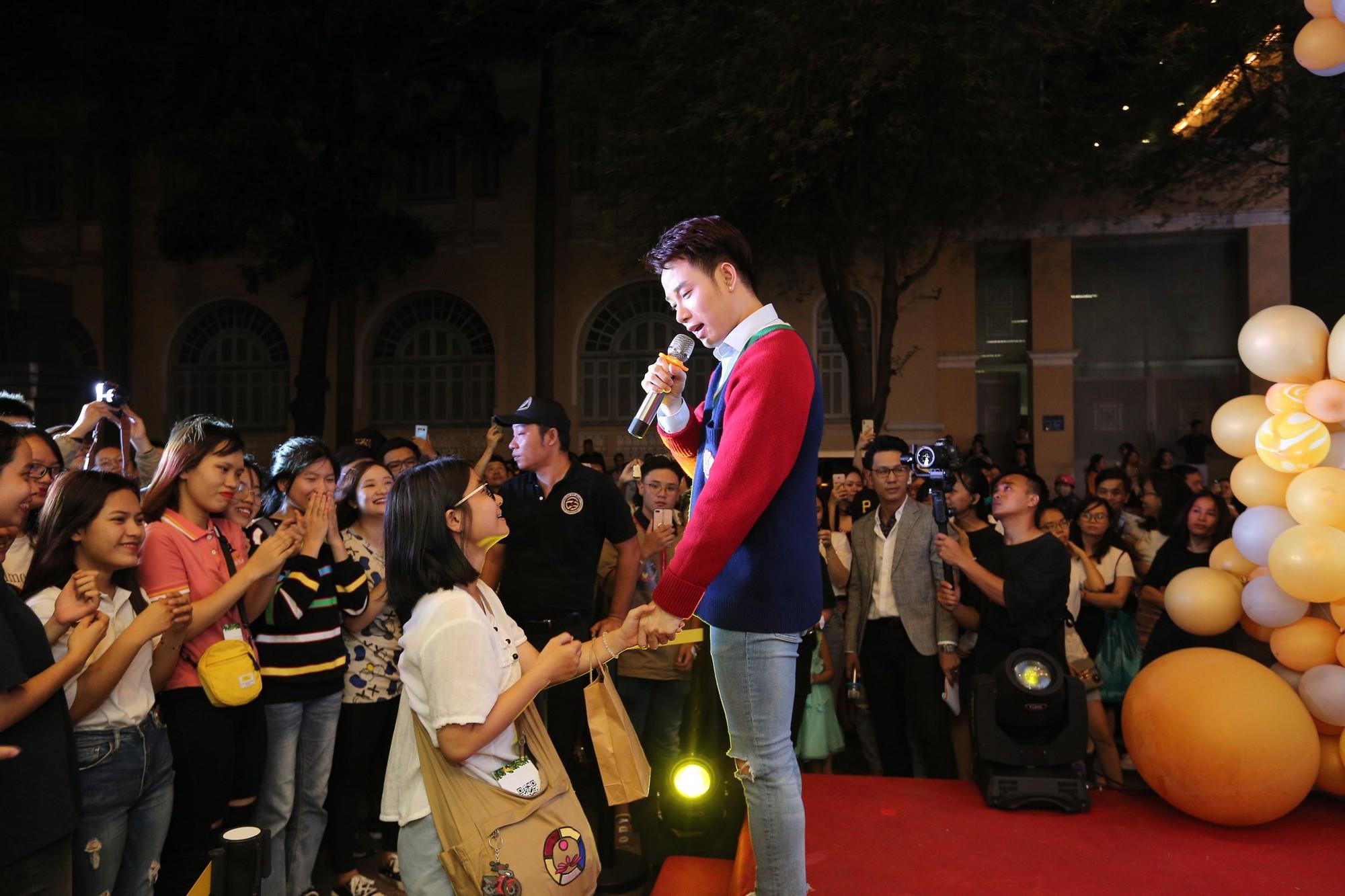 Trúc Nhân và Fabo Nguyễn gây náo loạn cả khu phố trà sữa, Happy Lemon chính thức đổ bộ thị trường Việt Nam - Ảnh 4.