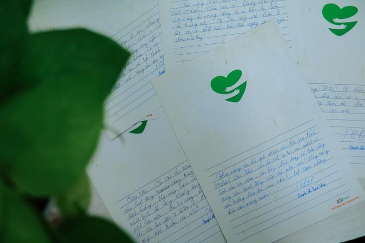 Học sinh xúc động nhận thư tay từ cô hiệu trưởng - Ảnh 4.