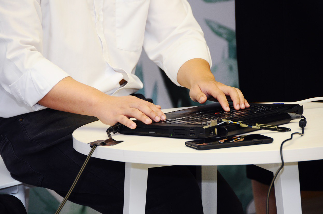 Người mù có thể sử dụng máy tính để mua sắm online - Ảnh 5.