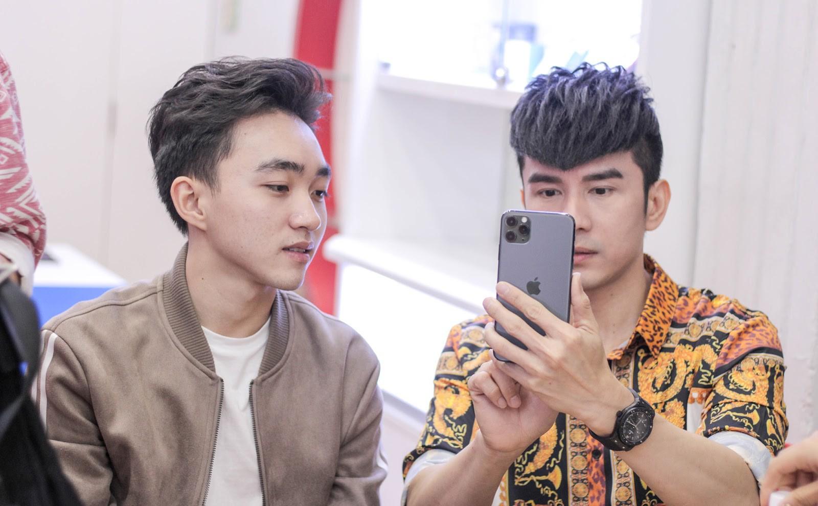 Anh Bo Đan Trường bất ngờ đến Di Động Việt để tậu iPhone 11 Pro Max - Ảnh 2.