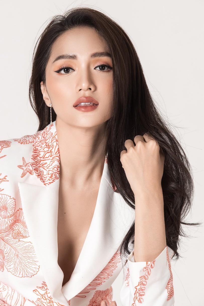 Hương Giang là 1 trong những đại diện đình đám của châu Á Thái Bình Dương dự Paris Fashion Week 2019 - Ảnh 7.