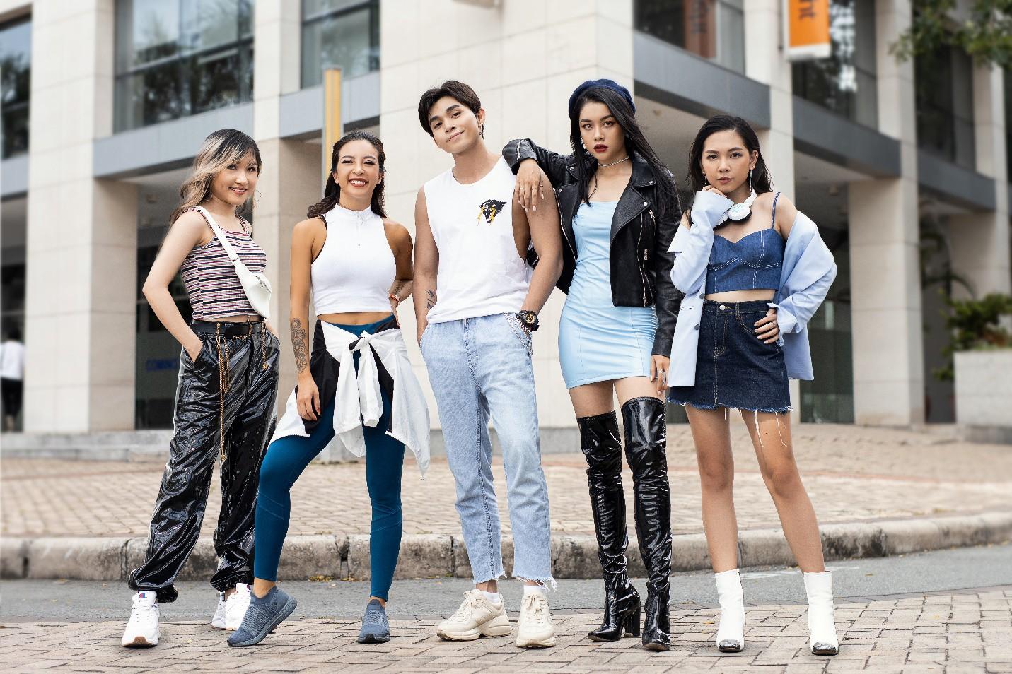 Đọ thần thái cool ngầu, Jun Phạm, Hana Giang Anh, Uyên Pu, Thảo Trang và Con Thỏ khiến fan thích thú trong video mới - Ảnh 1.