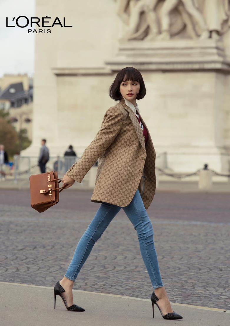 """Ai bảo cứ đến Paris Fashion Week thì phải trang điểm cầu kỳ mới """"lồng lộn""""? Nhìn Hương Giang kìa! - Ảnh 3."""