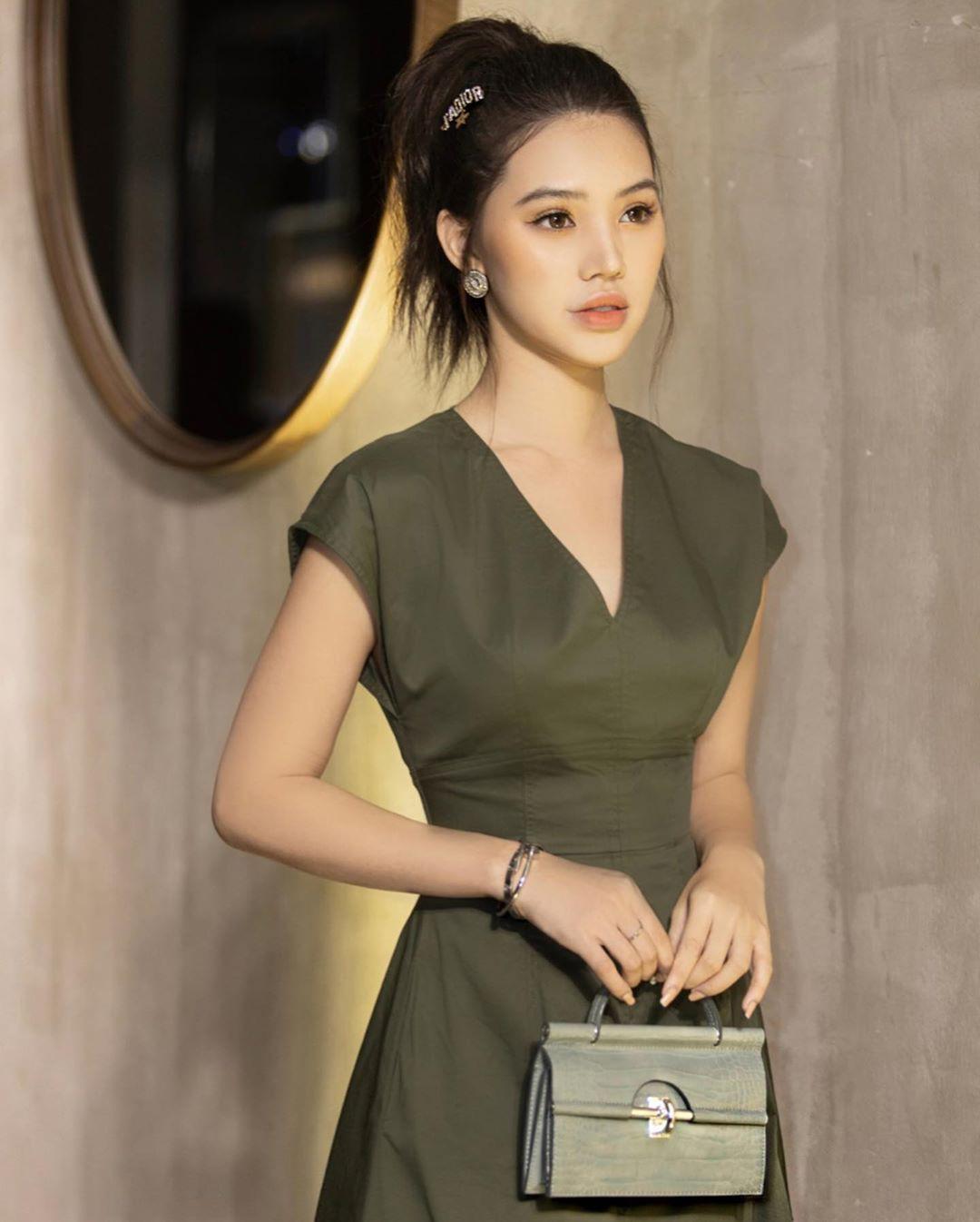 Angela Phương Trinh tái xuất đọ dáng cực chất cùng Min, Sunht - Ảnh 4.