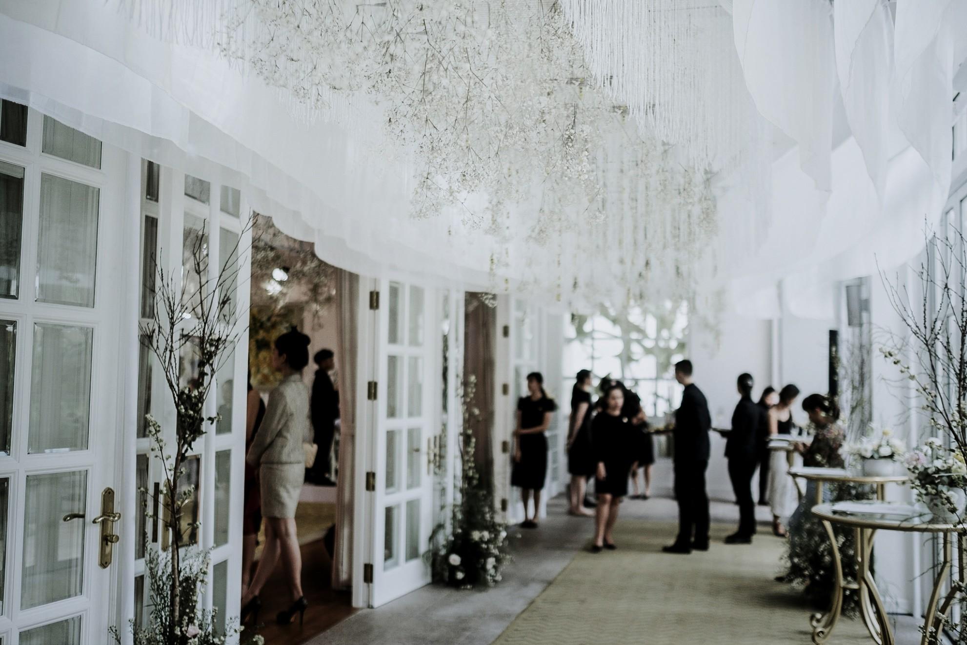 Hé lộ không gian thần tiên mộng ảo, chứa đựng các thiết kế cưới đẳng cấp của Phương My - Ảnh 4.