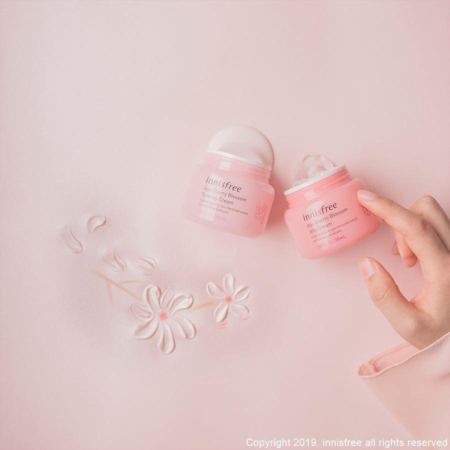 innisfree mang tinh túy từ hoa anh đào Jeju lên dòng sản phẩm dưỡng trắng da mới toanh - Ảnh 6.