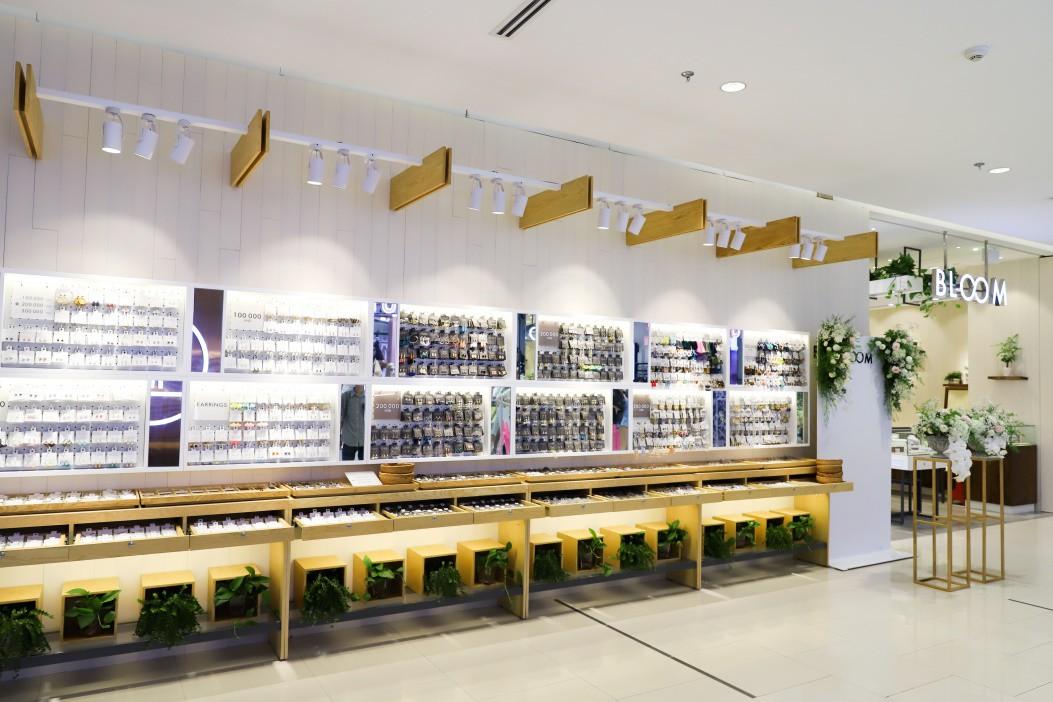 Thương hiệu trang sức Nhật lần đầu mở cửa tại TP.HCM - Ảnh 2.